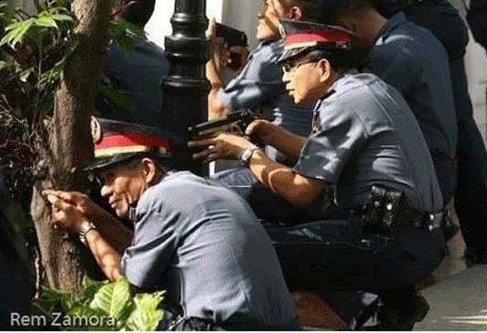 Суровый полицейский 01