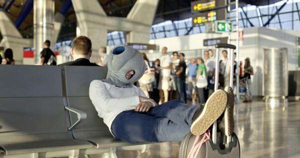 Подушка на вокзале и аэропорту