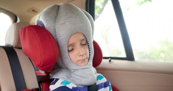 Детский сон в дороге
