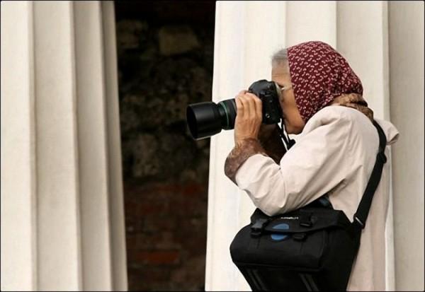 Бабушка-фотограф