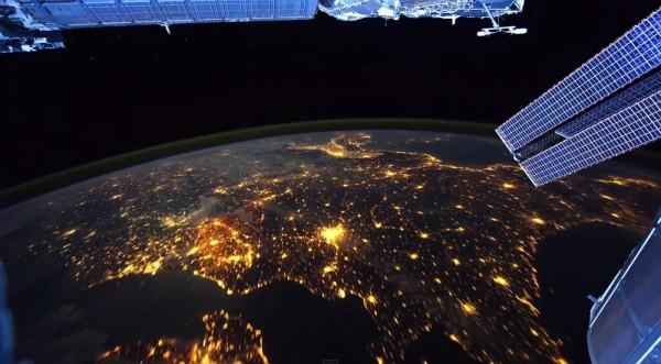Earth - Земля из космоса