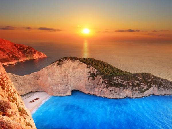 Прекраснейший закат бухта Навайо Закинф Греция