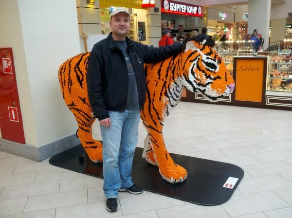 Antonio Nemcd Lego Tiger, большой тигр из Лего