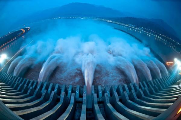 Мощнейший поток воды, Three Gorges Dam