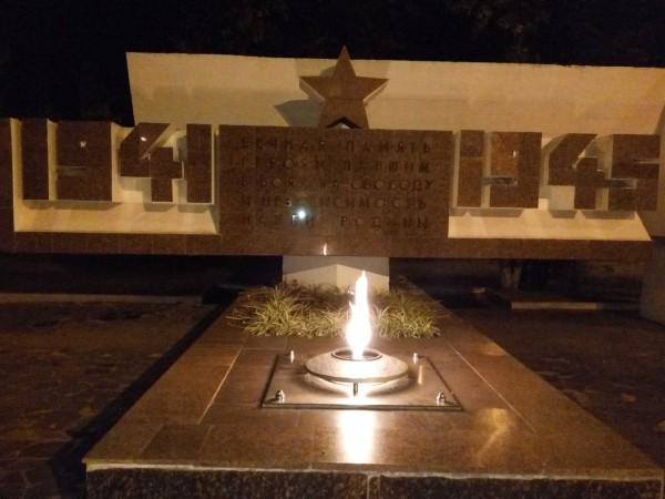 Жихарь вечный огонь, мемориал воинам