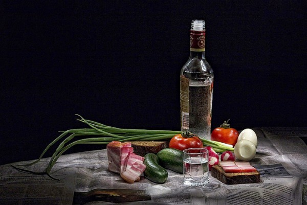 vodka buhlo, поляна с водкой