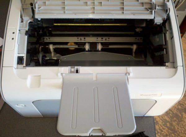 HP P1102