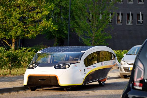 Stella Solar Car, авто на солнечных батареях